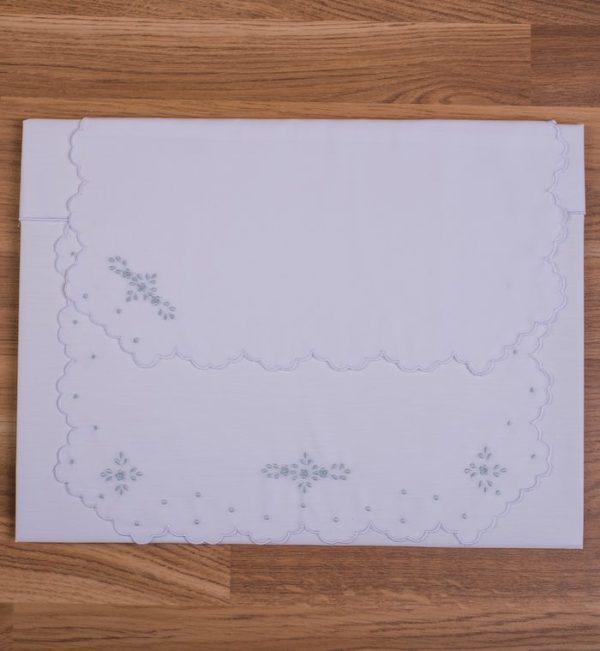 Juego de sábanas bordado artesanalmente