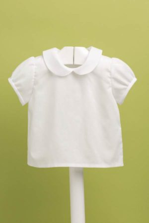 Blusita de bebé batista en manga corta